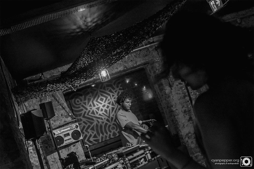 The Headnod Factor Live featuring Black Milk